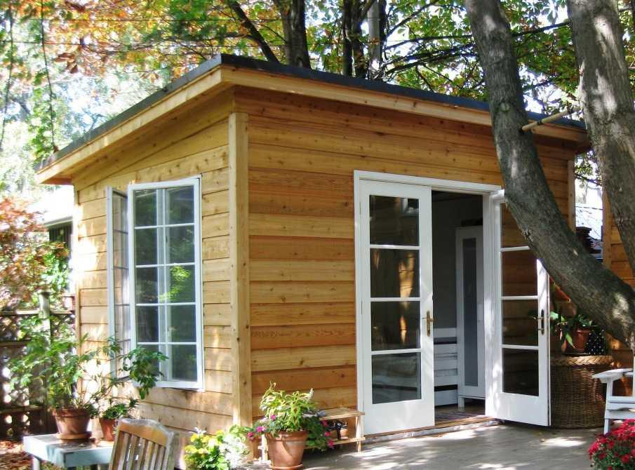 Cedar urban studio backyard studio design 10x12 in the outdoor seen from the left. ID number 2775-195.